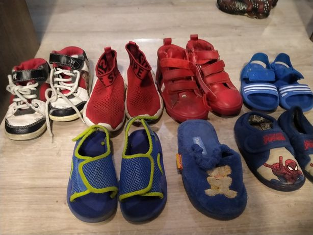 Отдам от 24 до 30 размер детская обувь в свой дом