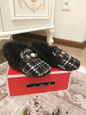 Продается  детские туфли