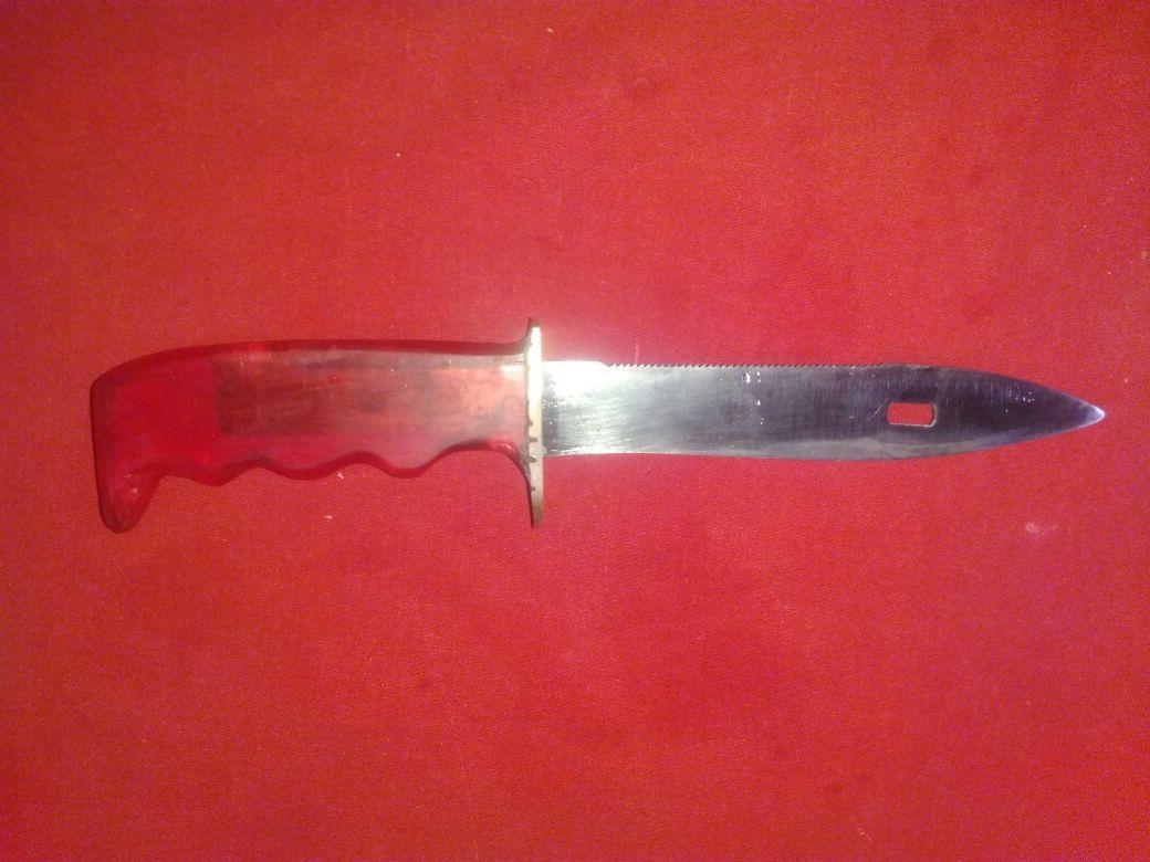 Продавам нож рьчна изработка 2