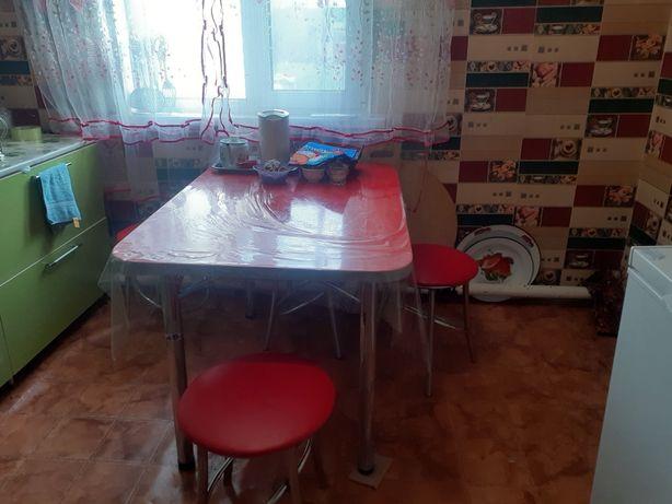 Стол с стульями 3 стульев