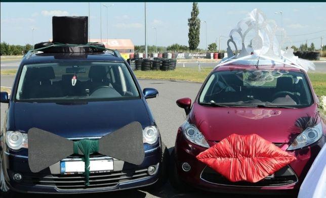 Ornamente (aranjamente) nunta pentru mașinile mirilor