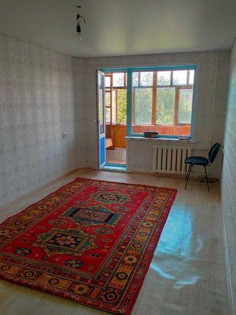 Продам  2-комнатную квартиру в центре