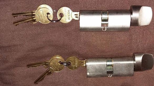 Английски секретни ключалки с 3 ключа