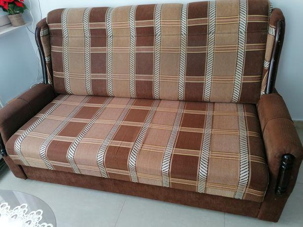 Canapea trei locuri extensibilă
