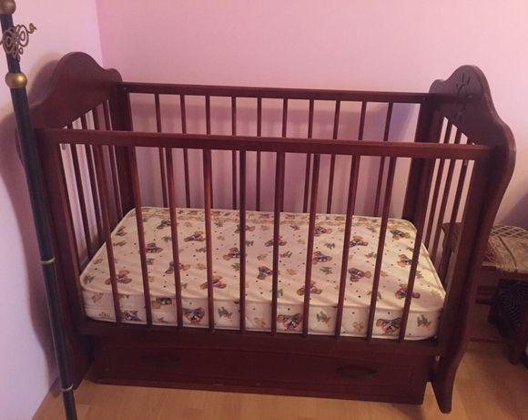 Продам деревянную детскую кроватку, Российского