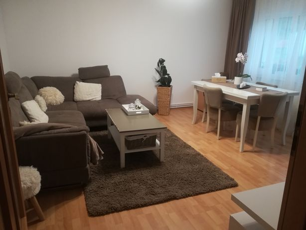 Apartament 3 camere mobilat + loc de parcare