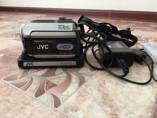продам видеокамеру JVC