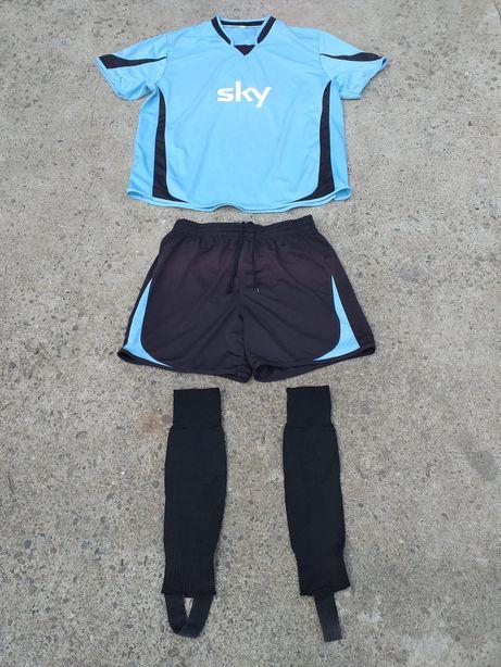 Tricou șort jambiere fotbal mărimea XL