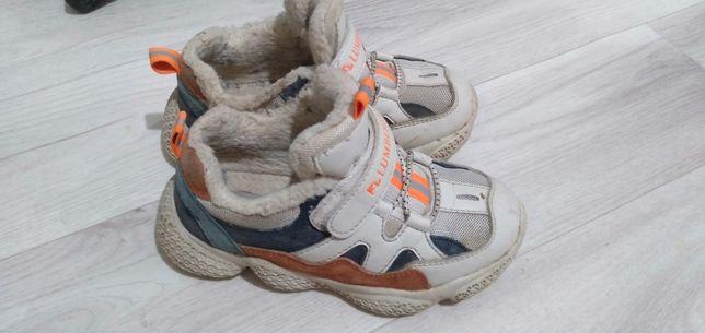 Продам кроссовок размер 31