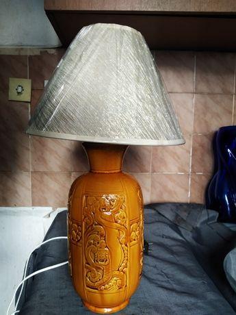 стара настолна лампа