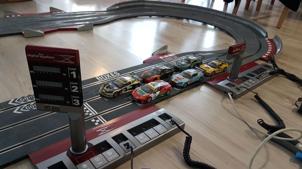 Circuit masinute slot cars SCX digital Bucuresti - imagine 1