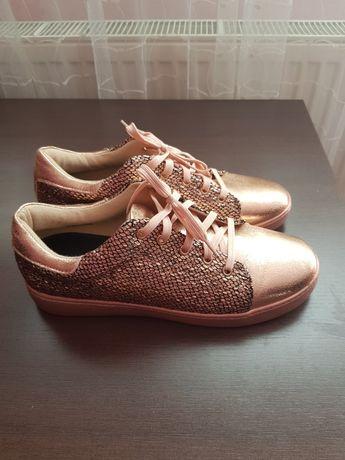 Спортни обувки, розово злато, N40
