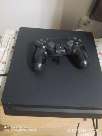 Продам PS4 1 джойстик