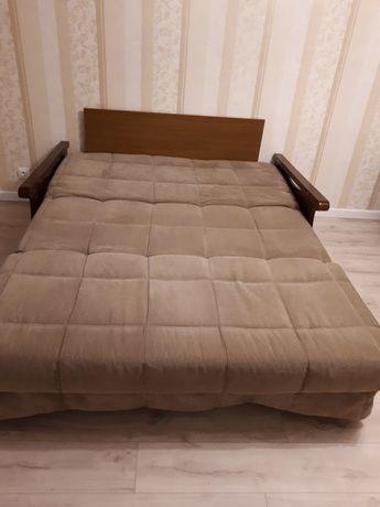 Продам диван, в разложенном виде 1,6×2.0 м.
