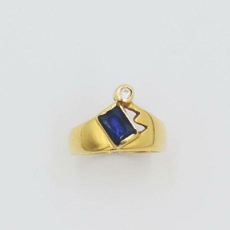 Inel din aur de 14k cu safir albastru
