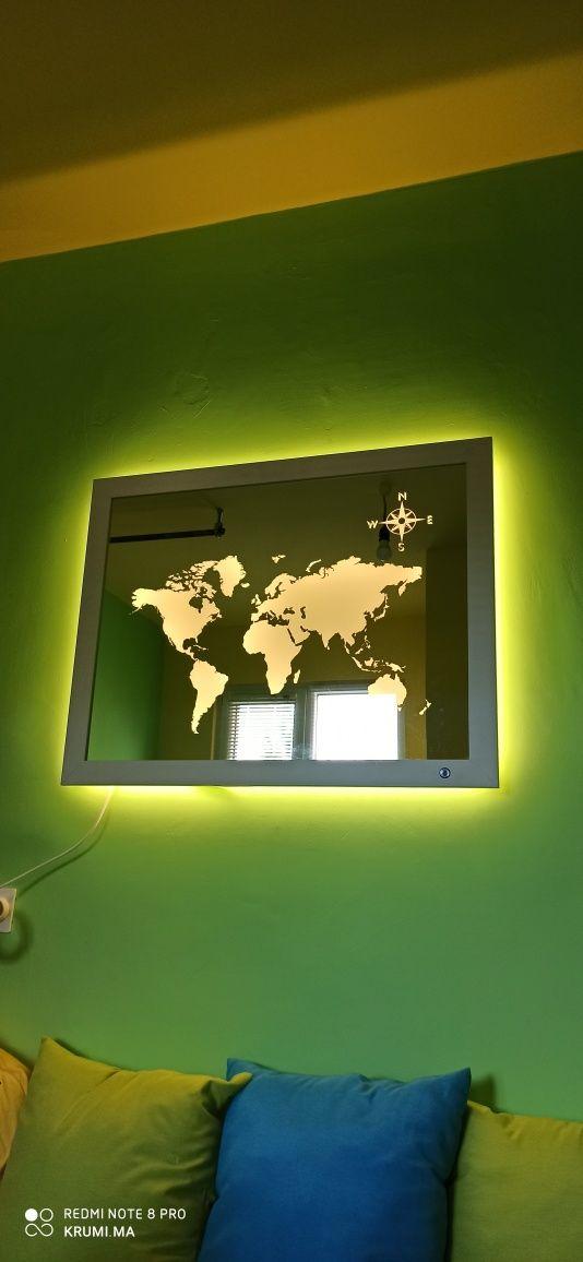 Декоративно светещо огледало с гравюра