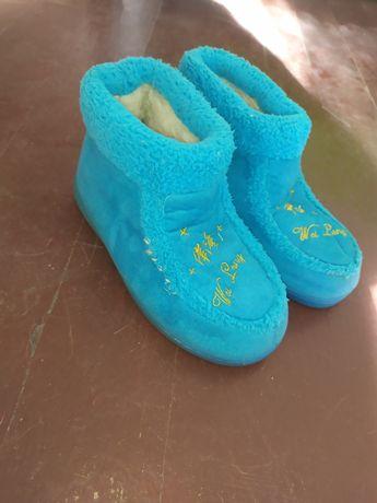 Дамски обувки като пантофи