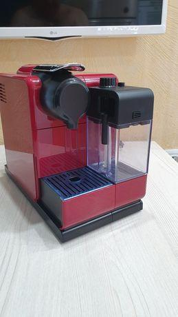 Капсульная кофемашина с автоматическим капучинатором