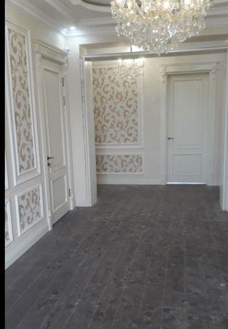 Установка дверей, плинтус, ламинат и плотнические работы и.т.д.