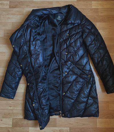 Продам зимнюю женскую куртку