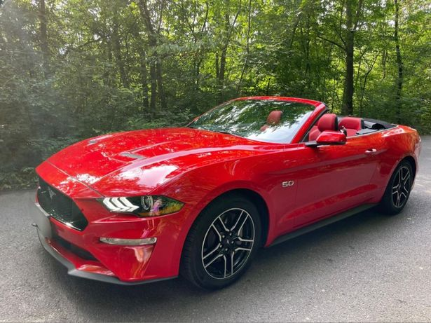 Inchiriez Mustang GT