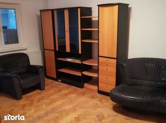 Apartament 3 camere, cartier 1 Mai
