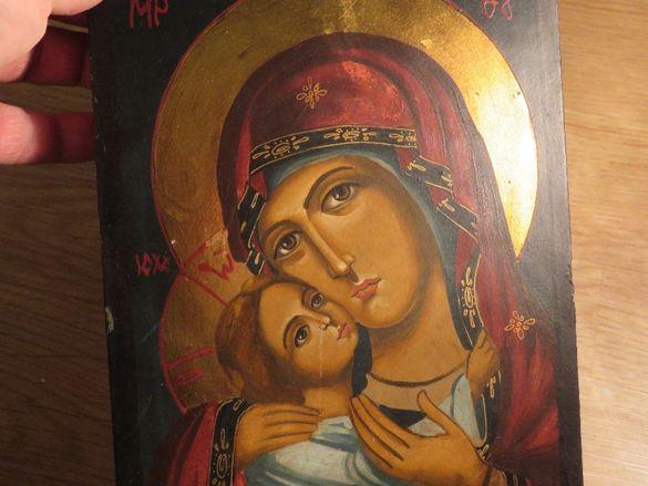 Старинна ръчно рисувана икона Богородица Умиление и 2 старинни иконос