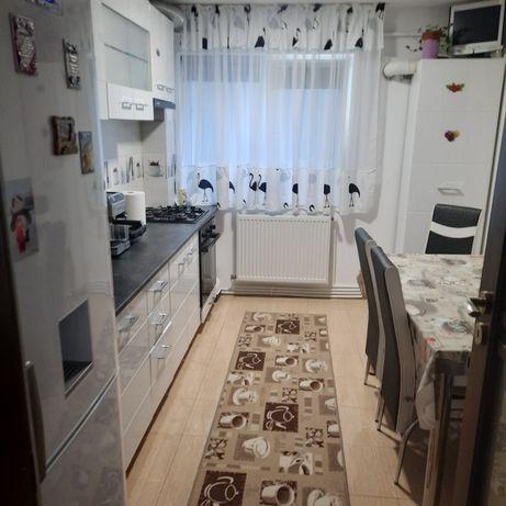 Apartament 3 camere ,2 bai renovat total!!schimb