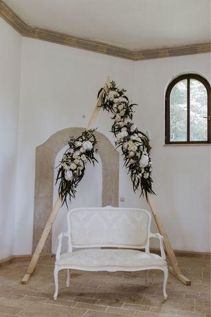 Arcada triunghi/triangle arch de INCHIRIAT pentru nunti/evenimente
