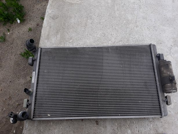 Radiator apa +radiator clima golf 4