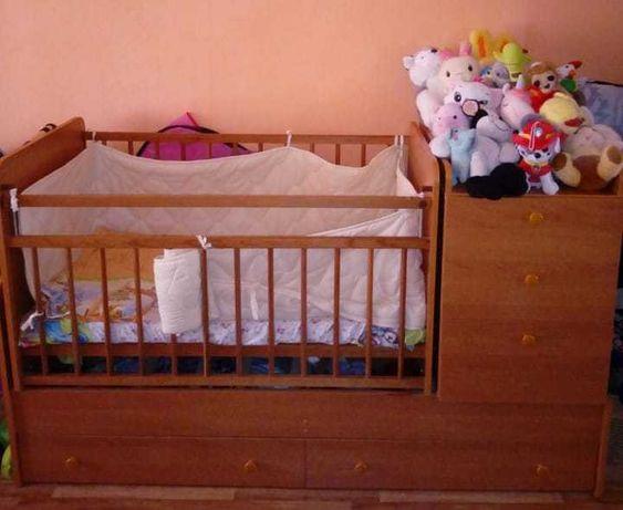 продам детскую кроватку трансформер 3 в 1.