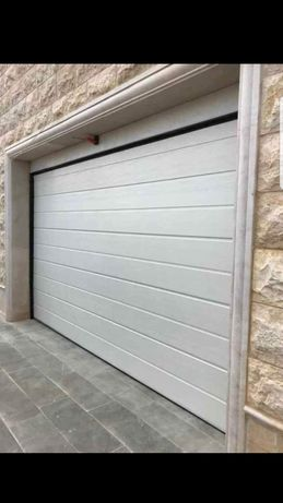 Usa de garaj rezidentiala 4300x2600 automatizata