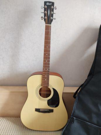 Продам гитару Cort