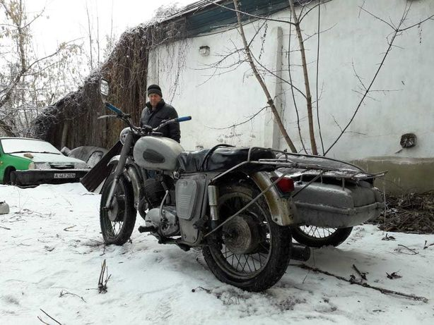 СРОЧНО ПРОДАЮ мотоцикл Иж Планета с коляской