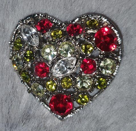 Нова Брошка *Сърце* с Цветни Кристали