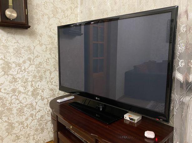 Продается большой телевизор