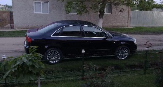 Dezmembrez Audi A4 b7 2.0 tdi cod BRE