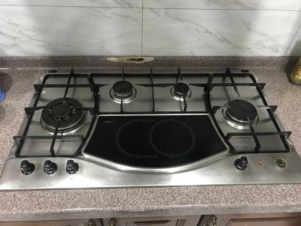 Встроеннная газовая плита