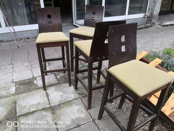 Бар столове от дърво и мека тапицерия от плат