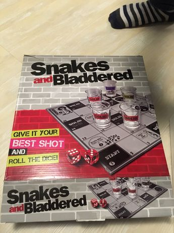 Joc de baut petrecere Snakes and Bladdered