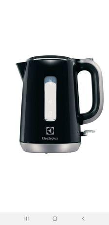 Новый,  не использованный Электрический чайник Electrolux EEWA 3300