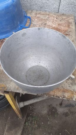 Казан 5 литров имеется крыжка