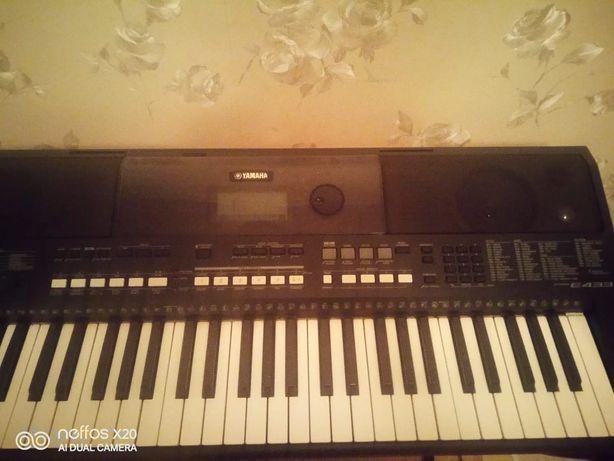 Продам Yamaha PSR 433