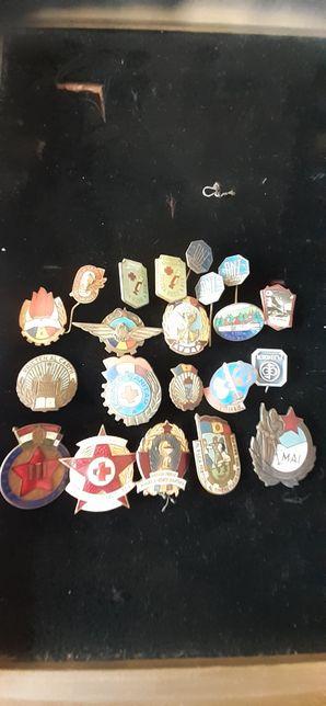Lot de insigne vechi