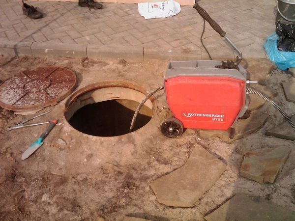 Чистка канализации . Промывка труб гидродинамикой. Крот. Кухня. Унитаз