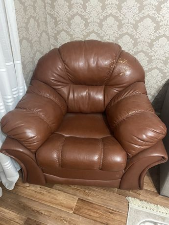 Продам комплект, диван-кровать и два кресла