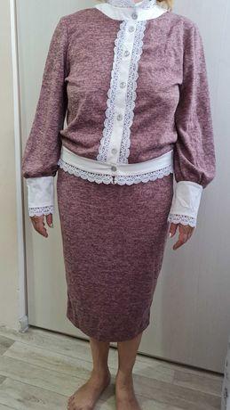 Женский костюм новый с юбкой