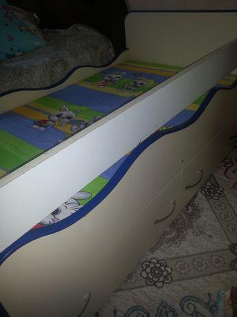 Кровать детская с двумя ящиками