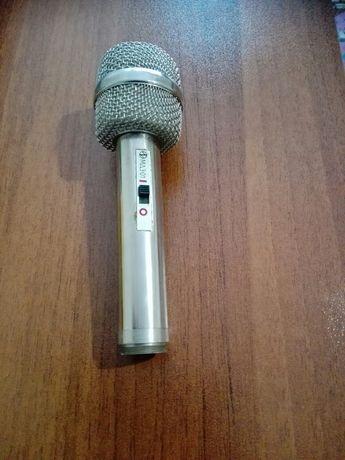 Профисионален микрофон