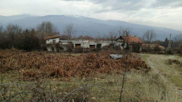 ИМОТ В СЕЛО КАМЕНА , Община Петрич в полите на планина Беласица